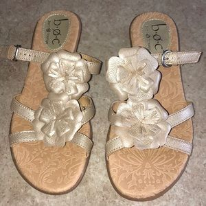 BOC Born Concept NWOT Gold Sandals 7